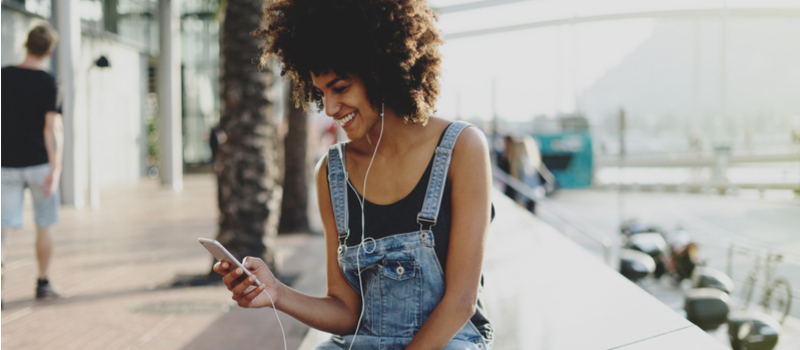 7 Ways Technology Helps You Save Money